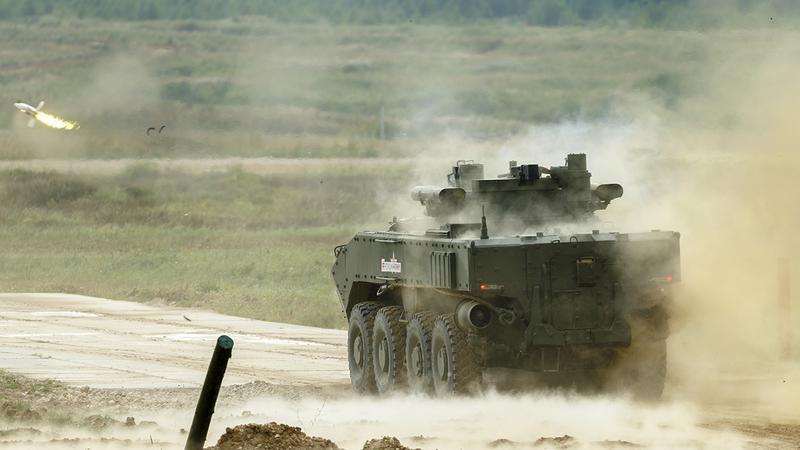 BMP K-17, nowa generacja rosyjskiego transportera piechota podczas pokazów bojowych