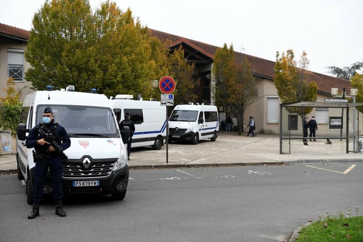 Ubistvo nastavnika u Parizu