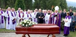 Pogrzeb Wesołowskiego. Były biskup pedofil pochowany w Czorsztynie