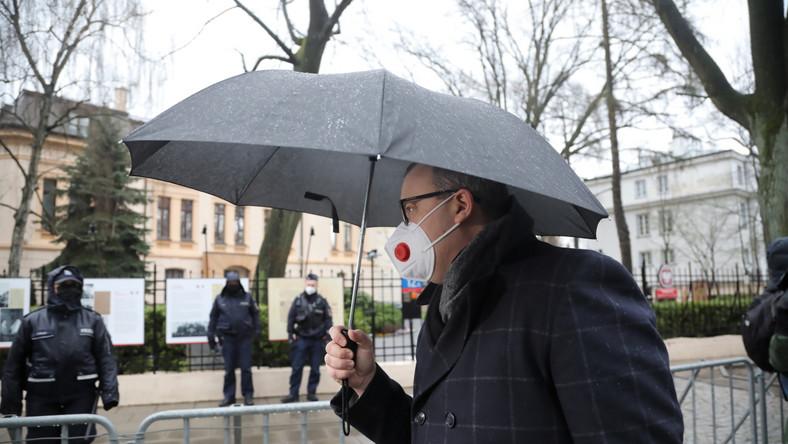 Adam Bodnar i policja przed Trybunałem Konstytucyjnym