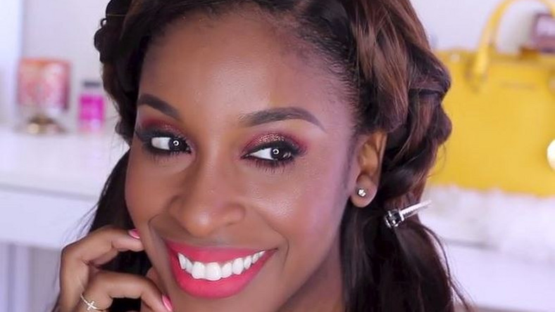 Jackie Aina/ Make Up Game On Point is showing how to get a vibrant tangerine makeup look that is so lush, you should learn how to. Watch it now