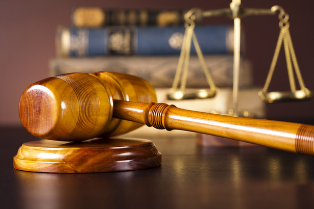 Z początkiem roku minister sprawiedliwości w drodze rozporządzenia zmniejszył sędziom stawkę za jeden przejechany w drodze do pracy kilometr z 60 do 30 gr