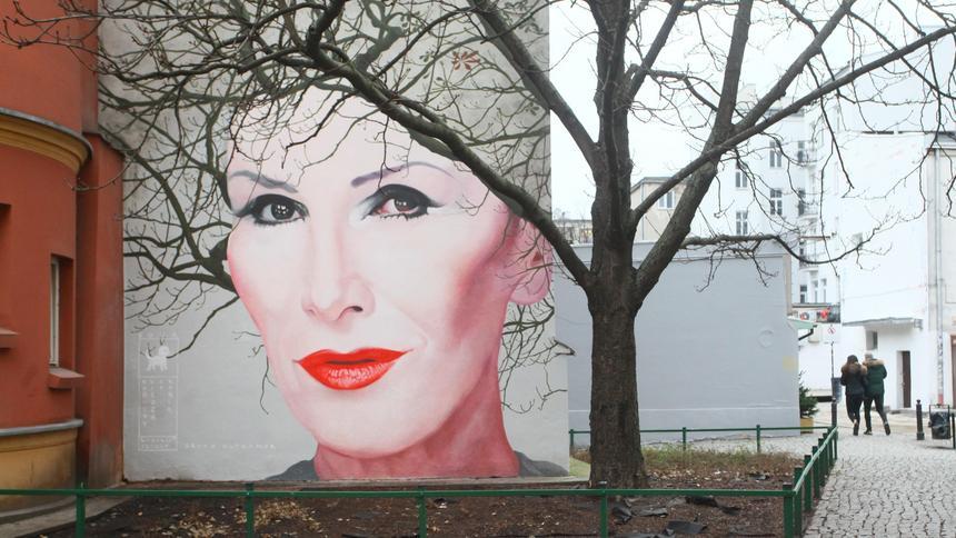 W Warszawie Odslonieto Mural Z Podobizna Kory