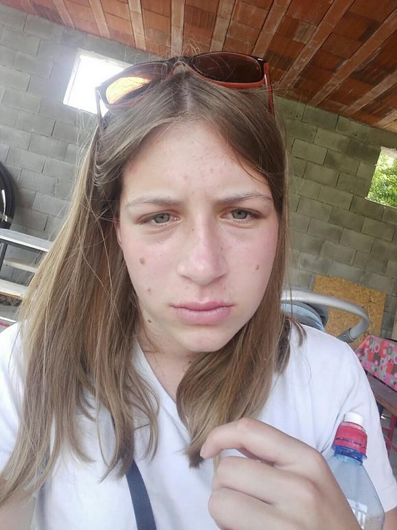 Milica  Petrović, očajna beračica malina
