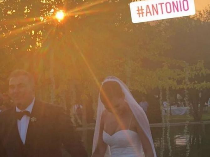 Nemica i Grk blistali na venčanju: Ali sve poglede krade DEVOJČICA pored njih