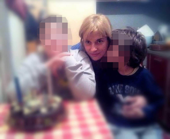 Olivera Tanasković sa sinovima starim 13 i 10 godina