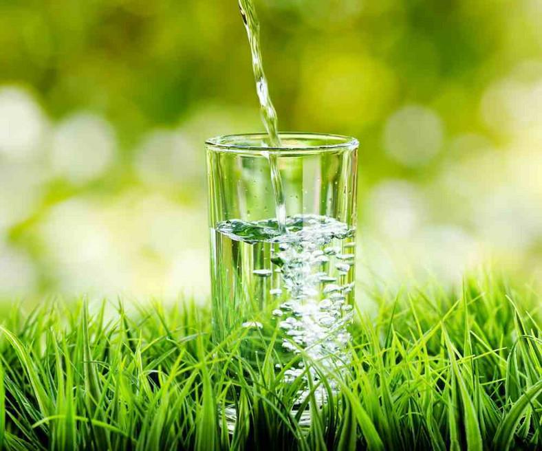 Czy zwiekszajac ilości picia wody można schudnąć
