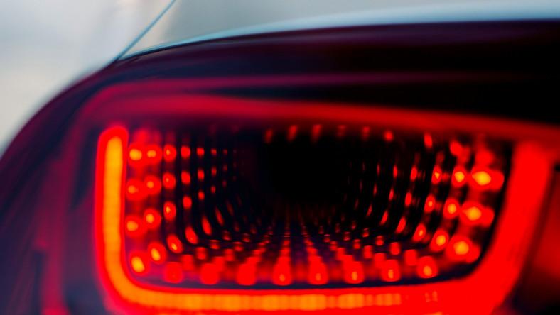 Ciężko wyobrazić sobie Citroena bez vanów z nazwiskiem twórcy kubizmu. Xsara Picasso, C4 picasso, grand C4 Picasso i C3 Picasso zdobywają serca rodzin, które poszukują vanów. Od 1999 roku sprzedaż aut Citroena w tej kategorii osiągnęła poziom blisko 3 milionów samochodów. Teraz ludzie z Citroena stwierdzili, że czas na nowy model…