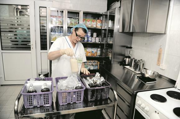 U kuhinji svakog dana spreme 900 obroka