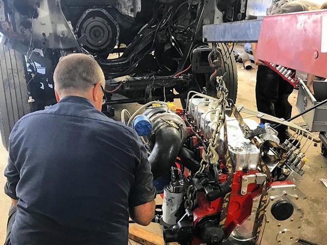 Vladimir je otišao kod automehaničara i tamo čuo rečenicu koja se PAMTI ZA CEO ŽIVOT: Ovo je savet koji mora da usvoji SVAKI MUŠKARAC