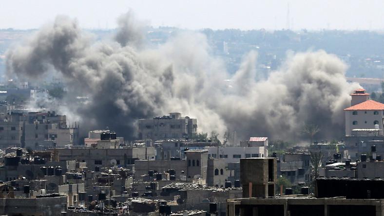 Izrael piąty dzień bombarduje Strefę Gazy. Już ponad 100 ofiar