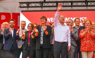Kandydat SPD na kanclerza Olaf Scholz nieoczekiwanym faworytem wyborów