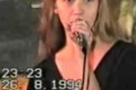 SNIMAK STAR 24 GODINE UGLEDAO SVETLOST DANA: Nikada ne bi ste prepoznali ovu pevačicu