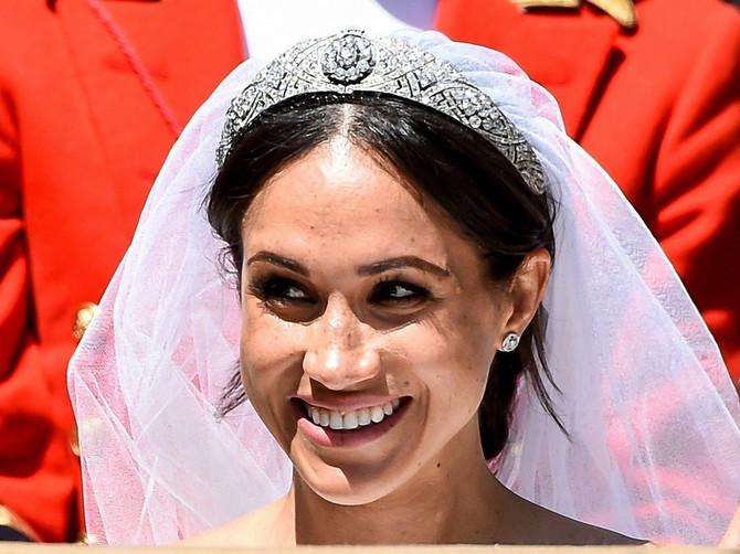 Trenutak pažnje, molimo, jer Megan je PRESVUKLA venčanicu i pojavila se u HALJINI za koju ne postoje dovoljno dobre reči da je opišu!