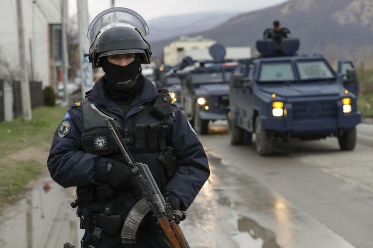 Rosu, Kosovska policija, Čelični prsten