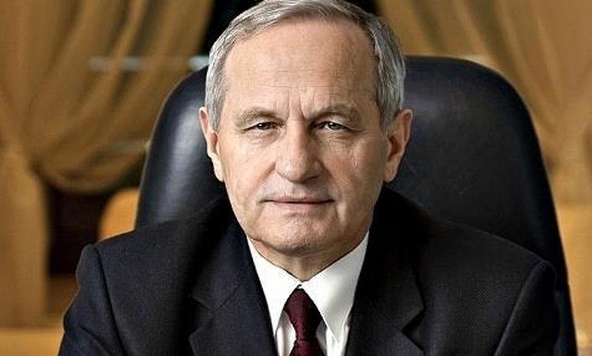 Były szef BBN: Pomnik smoleński powinien stanąć przed Pałacem