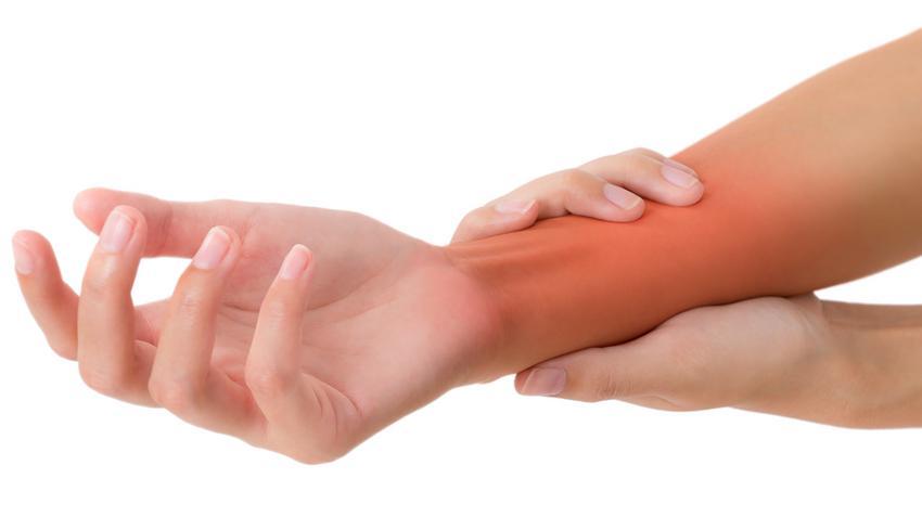 fájdalom az ujjak között a kézen mi van
