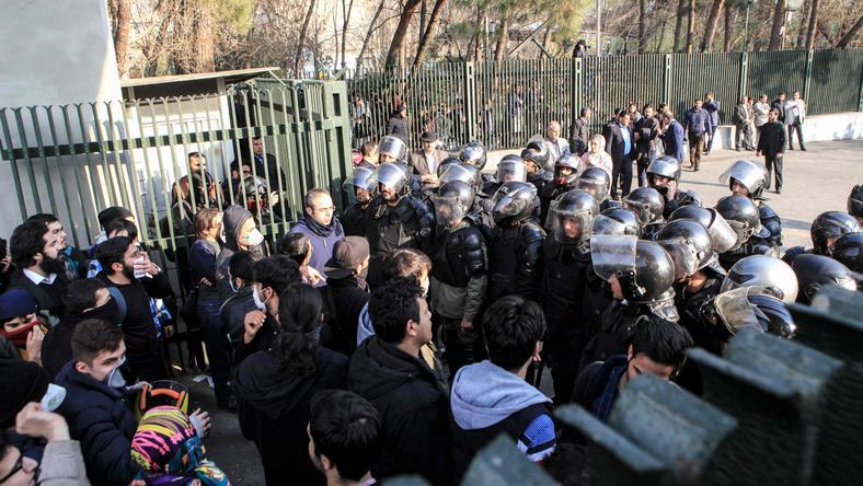 Od czwartku przez Iran przetacza się fala demonstracji