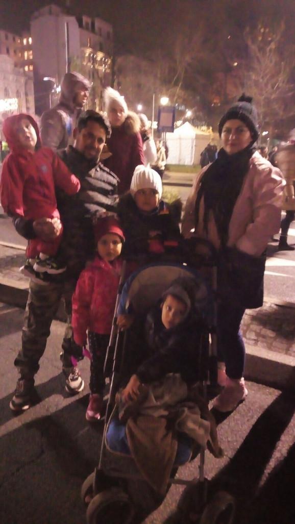 Džamila Akima sa porodicom
