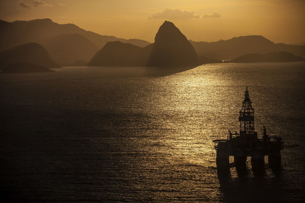 Platforma wiertnicza w pobliżu Rio de Janeiro, Brazylia. 20.05.2015. Autor: Dado Galdieri