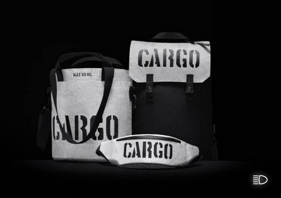 """Red Dot 2017. Wyróżnienie honorowe: Torby i plecaki """"Cargo Reflective"""" – Migfactory / Anna Migacz-Lesińska"""