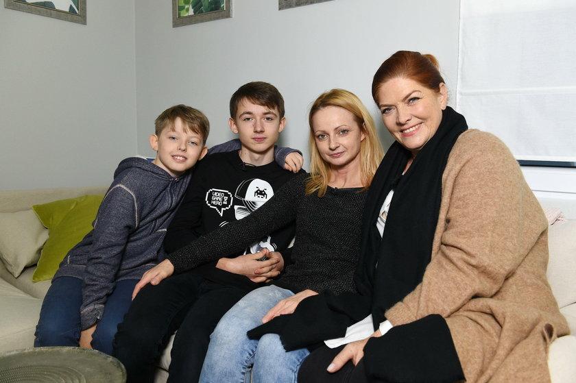 Katarzyna Dowbor z bohaterami odcinka z marca 2018 roku