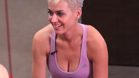 Katy Perry ćwiczy w obcisłym stroju i pofarbowanych włosach