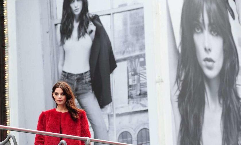 Ashley Greene dżinsy DKNY 2012