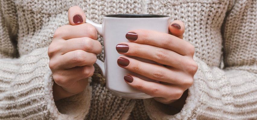 Duże kubki na jesienną kawę i herbatę. Gdzie kupić ze zniżką?