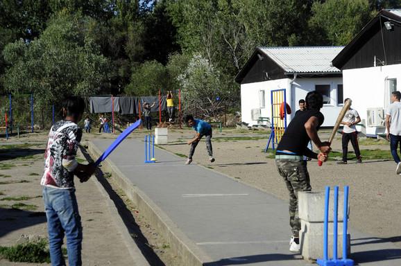 Prihvatni centar za migrante u Krnjači