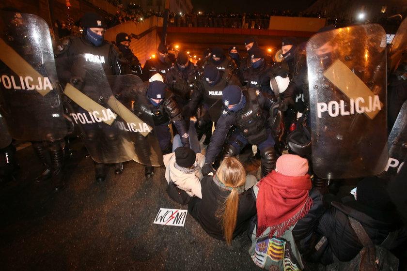 Poseł PiS ostro o działaniu policji: Powinni ponieść surowe konsekwencje