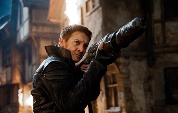 """Jeremy Renner w filmie """"Hansel i Gretel: Łowcy czarownic"""""""