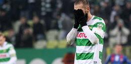 """Piłkarz Lechii zdyskwalifikowany przez UEFA? Nazwał sędziego """"pajacem"""""""