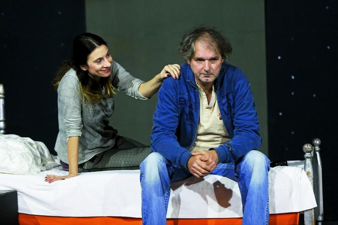 Anja na sceni sa Mandom, u predstavi