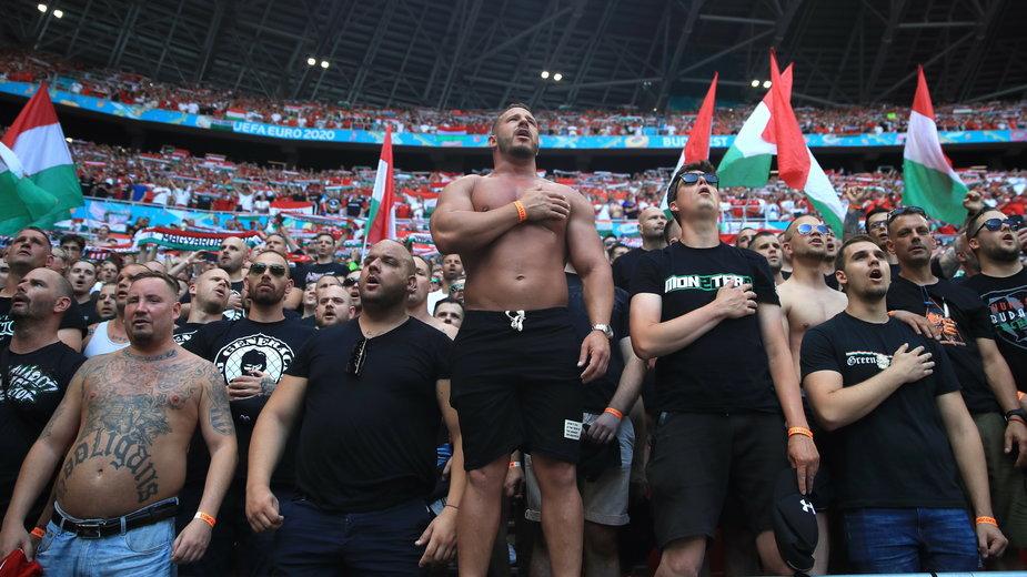 Jedna z najgroźniejszych grup kibiców rządzi przed meczami i na spotkaniach Węgier