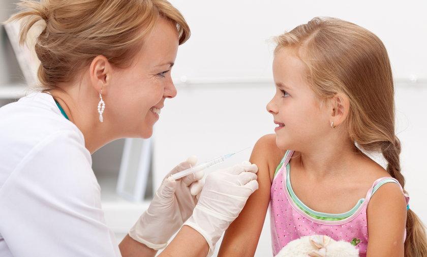 Niedługo w Polsce ruszą testy szczepionki na COVID-19 na dzieciach.