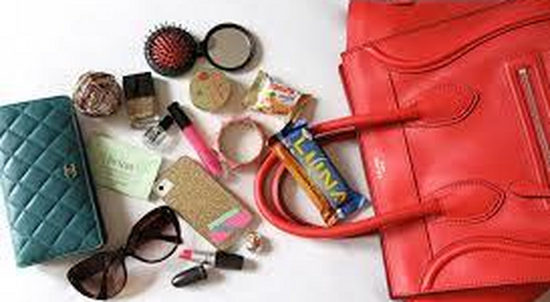10 essential items ladies must have in their bags