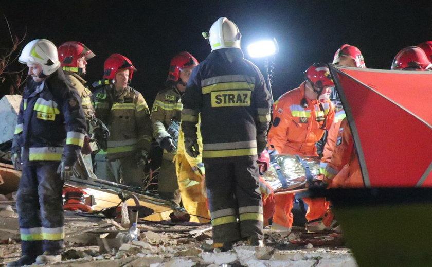 Przez potężny wybuch zawalił się dom we Włodzimierzowie. Pod gruzowiskiem są ludzie