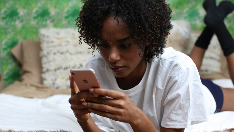 If you think you're addicted to your phone, here are 3 tips to reduce your screen time
