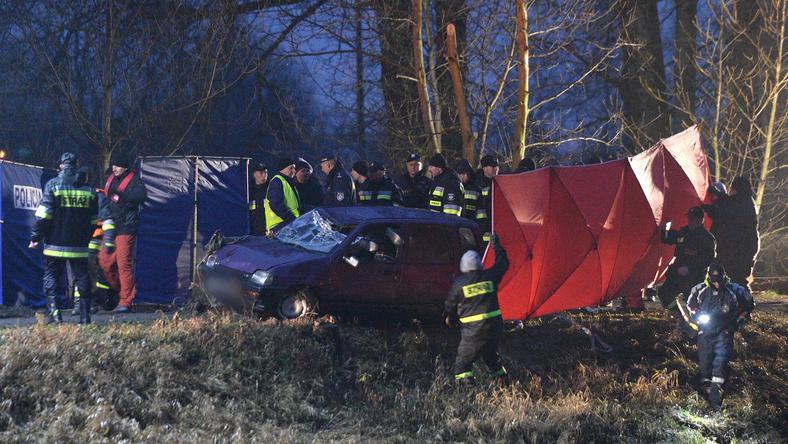 W samochodzie znaleziono ciała pięciu osób