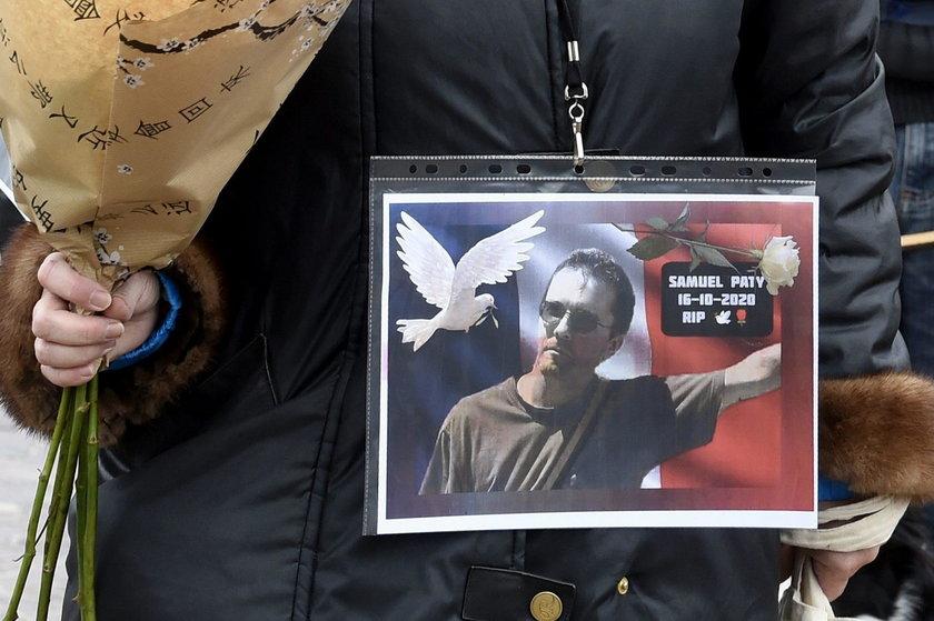 Nauczyciele i uczniowie opłakują śmierć 47-latka