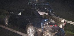 Śmierć na drodze! Bariera przebiła auto na wylot!