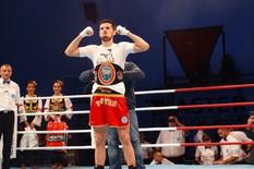 Novak Radulović pobedom na Trofeju Beograda postao profesionalni šampion Srbije u Kik boksu001