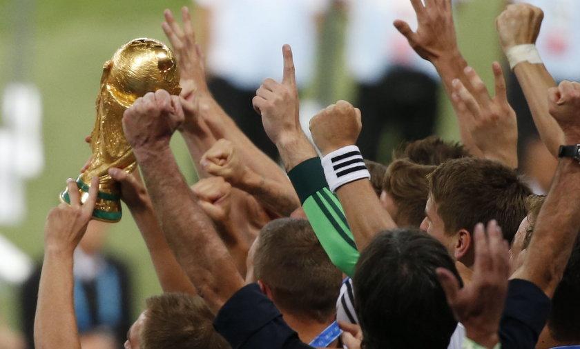 """Dziennik """"Gol"""" oskarża. FIFA zdefraudowała 25 mln dolarów!"""
