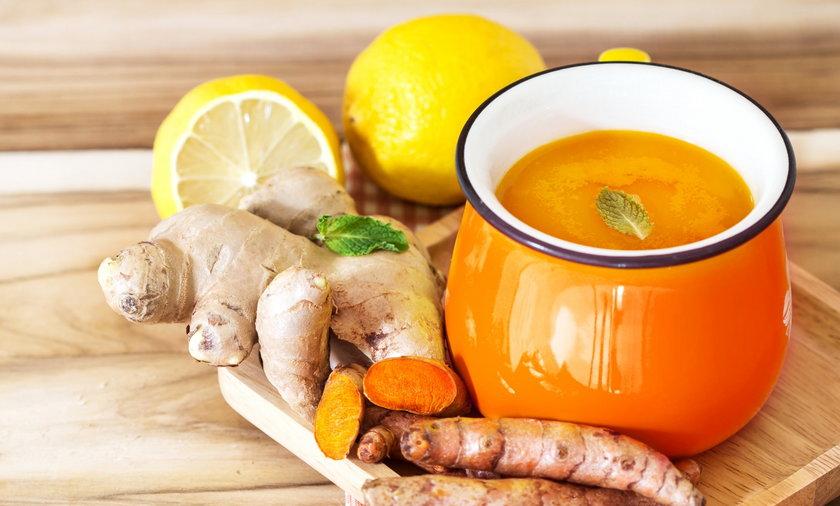 Kurkuma, imbir, cytryna to ważne składniki rozgrzewających herbatek