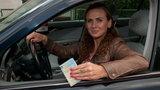 Będziemy składać się na mandaty kierowców polityków? Wściekli kierowcy mówią, co o tym myślą