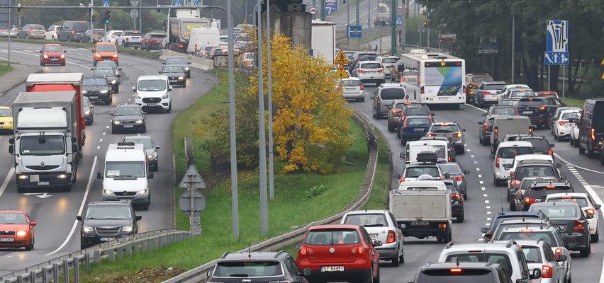 Paraliż drogowy w Katowicach. Wypadek za wypadkiem. Co się dzieje?