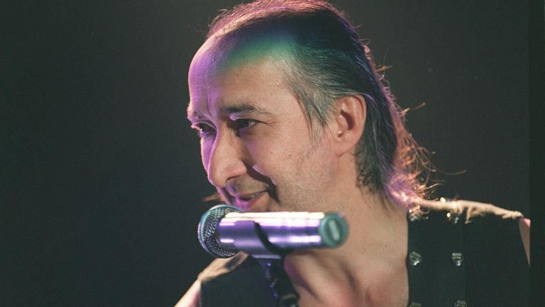 Założyciel grupy Manaam oraz jej gitarzysta zmarł na zawał serca 18 maja w swoim domu na południu Włoch. Miał 66 lat