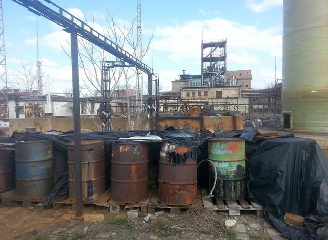 Zarđala burad s toksičnim materijalom (FOTO:Grinpis Mađarska)