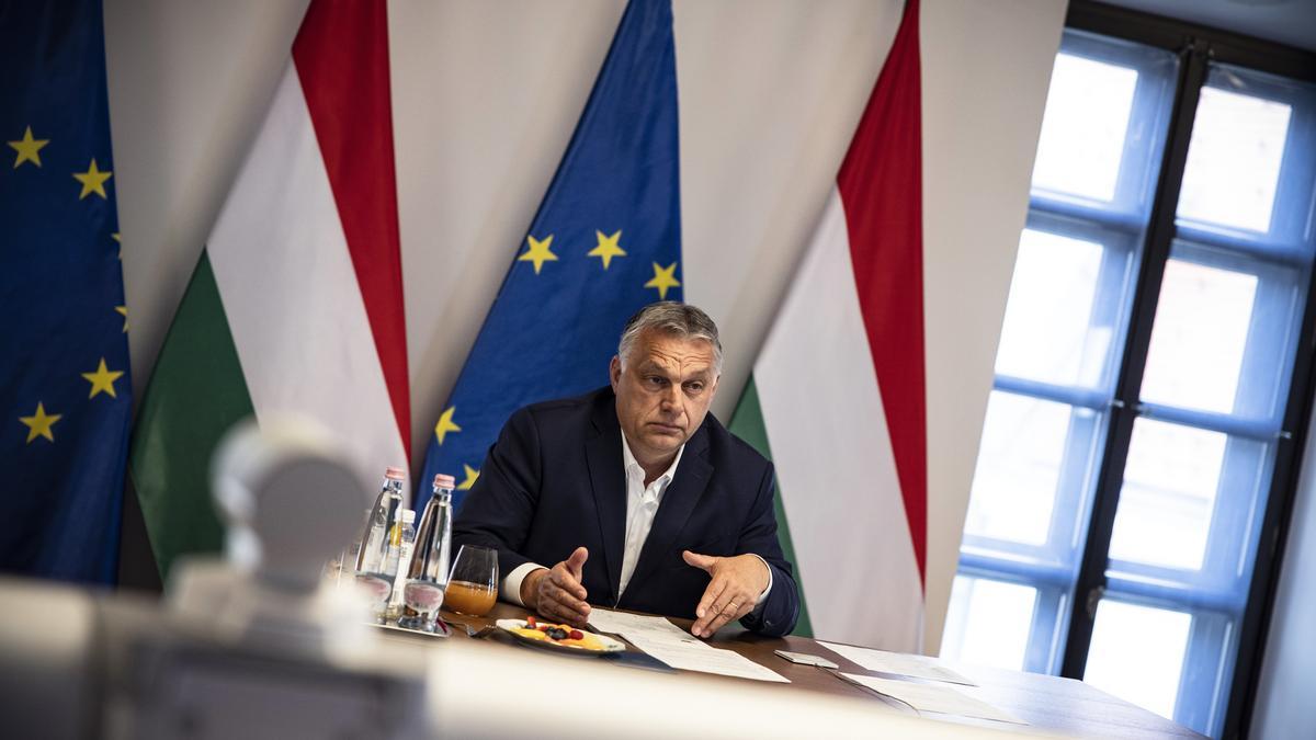 Orbán Viktor ma babakocsit kormányoz, rábízták a kisunokát, bevitte a melóhelyre - fotó